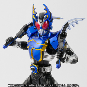 S.H.Figuarts(真骨彫製法) 仮面ライダーガタック ライダーフォーム【2016年10月発送分】 01