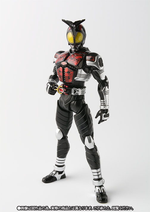 S.H.Figuarts(真骨彫製法) 仮面ライダーダークカブト 03