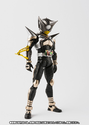 S.H.Figuarts(真骨彫製法) 仮面ライダーパンチホッパー 02