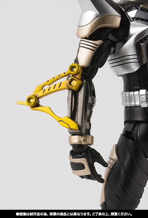 S.H.Figuarts(真骨彫製法) 仮面ライダーパンチホッパー 03