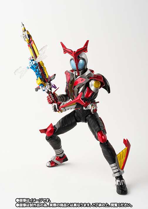 S.H.Figuarts(真骨彫製法) 仮面ライダーカブト ハイパーフォーム 03