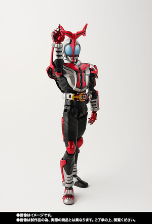 S.H.Figuarts(真骨彫製法) 仮面ライダーカブト ハイパーフォーム 07